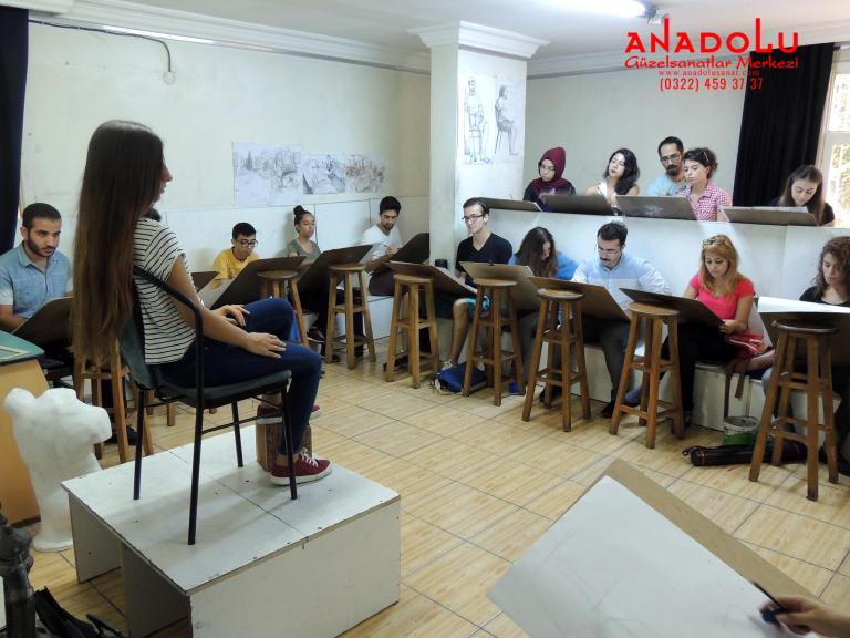 Anadolu Güzel Sanatlar Çizim Dersinde Çukurovada