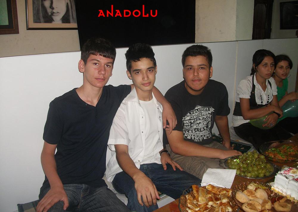 İstanbulda Anadolu Güzel Sanatları Lisesini Kazanan Öğrenciler