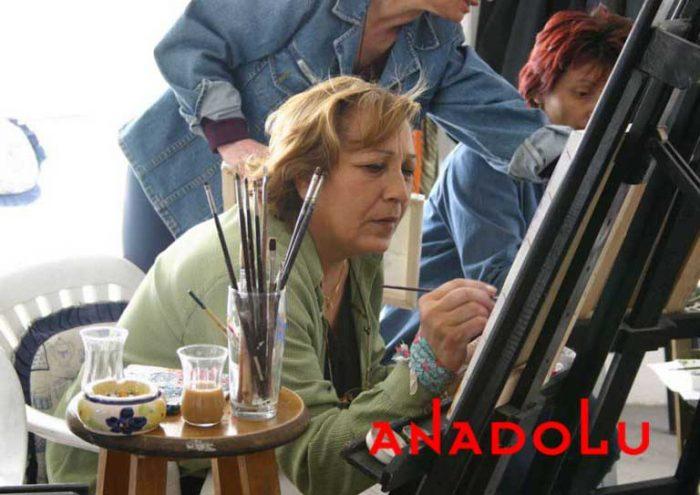 Zeliha Hanım Resim Çalışırken İstanbul